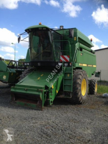 Moissonneuse-batteuse John Deere 2058 Hillmaster
