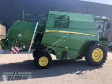 Moissonneuse-batteuse John Deere W330