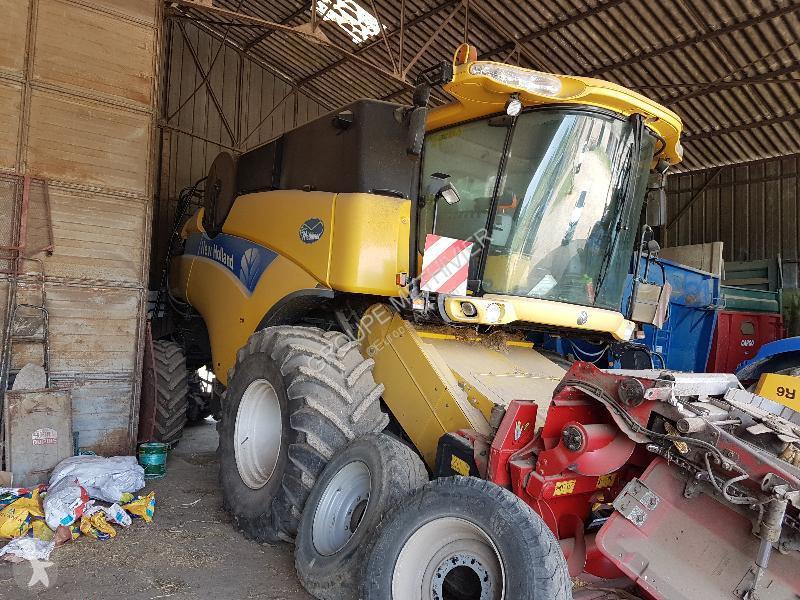 Voir les photos Moisson New Holland CX840