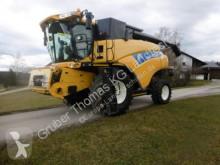 New Holland CR 9070 Elevation
