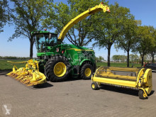 John Deere Self-propelled silage harvester 8400