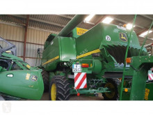Moissonneuse-batteuse John Deere T660 HM