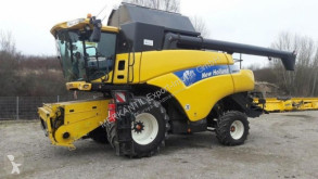 Moissonneuse-batteuse New Holland