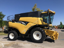 New Holland CR 980 used Combine harvester