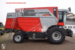 Moissonneuse-batteuse Massey Ferguson