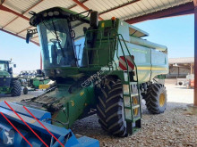 Moissonneuse-batteuse John Deere S560