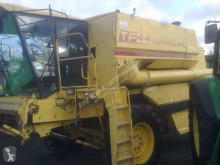 Used Combine harvester New Holland TF 44
