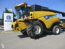 حصاد آلة حصاد ودرس New Holland