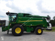 Moissonneuse-batteuse John Deere T550