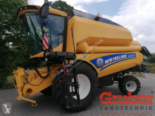 Moissonneuse-batteuse New Holland TC 5070