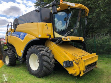 Ceifeira-debulhadora New Holland CX 880