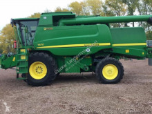 John Deere T670 Moissonneuse-batteuse occasion