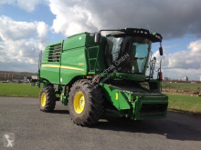 John Deere W650 Moissonneuse-batteuse occasion