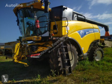 Kombajn zbożowy New Holland CX 8090