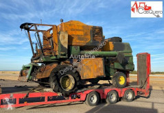 Moissonneuse-batteuse John Deere 1174