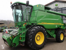 Moissonneuse-batteuse occasion John Deere