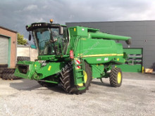 Moissonneuse-batteuse John Deere W540HM