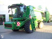 John Deere Combine harvester T660