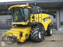 Mietitrebbiatrice New Holland CR 980