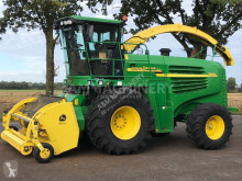 John Deere Self-propelled silage harvester 7200