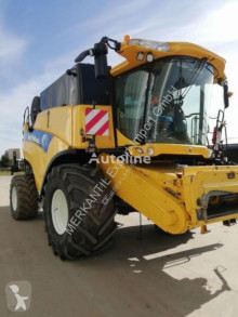 Mietitrebbiatrice New Holland CX 8080
