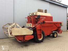 Case IH 321 Moissonneuse-batteuse occasion