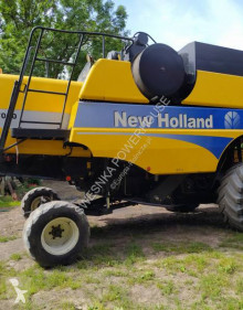 Žatva Kombajn so 6 vytriasadlami New Holland CSX 7050