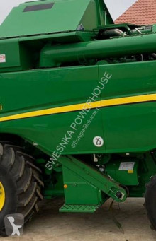 Moissonneuse-batteuse John Deere W504i