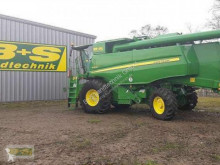 John Deere W650 233EZ Moissonneuse-batteuse occasion