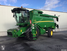 Moissonneuse-batteuse John Deere W650