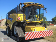 Moissonneuse-batteuse New Holland CR 8.80 Allrad & Raupe gefedert - kein Maiseinsatz