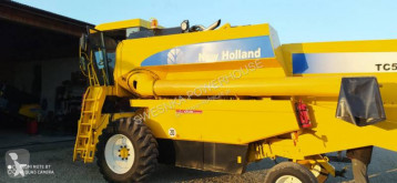 Moissonneuse-batteuse New Holland TC54