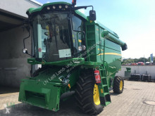 Moissonneuse-batteuse John Deere W 330
