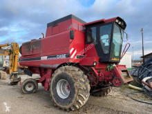 Moissonneuse-batteuse Case IH 1660 E