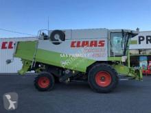 حصاد آلة حصاد ودرس Claas LEXION 420