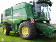 Combină agricolă cu 6 agitatoare John Deere T 670 i