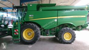 حصاد آلة حصاد ودرس مع دوّار John Deere S680i