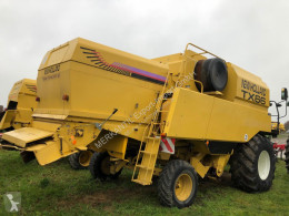 New Holland TX 66 used 3-straw walkers Combine harvester