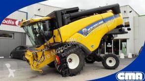 Moissonneuse-batteuse New Holland CX5090