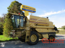 Комбайн с 3 сламотръса New Holland TF 44