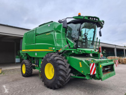 Moissonneuse-batteuse John Deere T 670 I