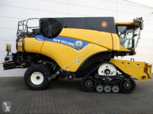 New Holland CR 9090 RAUPE SCR used Combine harvester