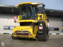 New Holland Mähdrescher CR 9090 ELEVATION