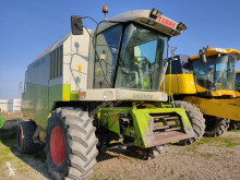 Moissonneuse-batteuse Claas Medion 330