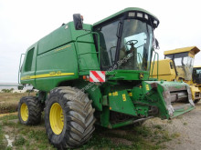 Moissonneuse-batteuse John Deere 9880 i STS