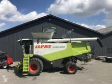 حصاد آلة حصاد ودرس Claas