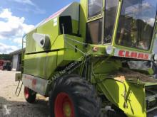 حصاد Claas DOMINATOR 48 Mähdrescher آلة حصاد ودرس مستعمل
