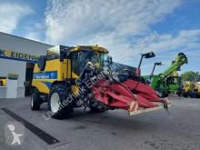 حصاد New Holland آلة حصاد ودرس مستعمل