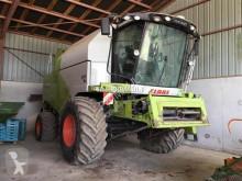 حصاد Claas TUCANO 450 آلة حصاد ودرس مستعمل