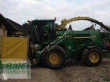 John Deere Self-propelled silage harvester 7800